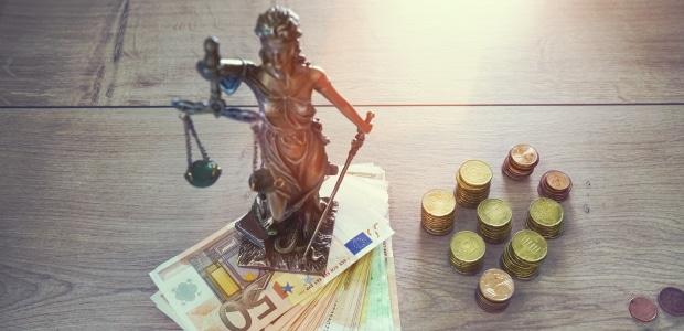 Bei einem hohen Gegenstandswert erhält der Rechtsanwalt mehr Geld.