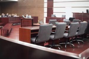 Bei den Gerichtskosten erfolgt eine Erstattung, wenn Sie den Prozess gewinnen.