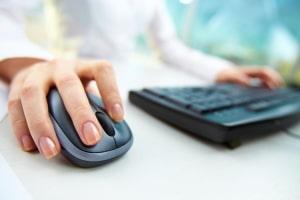Prozesskostenhilfe beim Arbeitsgericht beantragen: Das Formular zur Auskunft über Ihre Finanzen finden Sie im Internet.